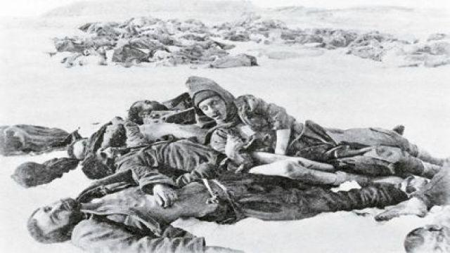 Allahuekber Dağları'ndaki Türk müfrezesini esir alamadım. Bizden çok evvel Allah'larına teslim olmuşlardı.