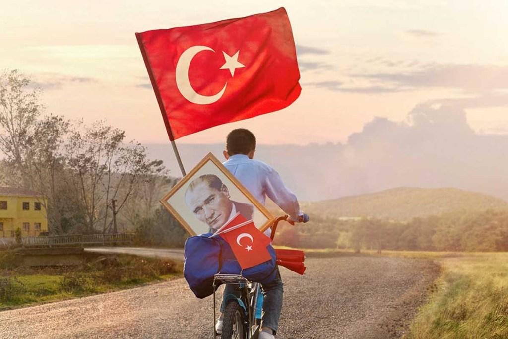 Cumhuriyetimizin Kuruluşunun 96ncı Yılı Anısına Bir Atatürk Şiiri. nilgnsalt sevim hülya semiz hilmi alıcı istanbul fotoğarfları